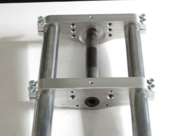 Triple clamp 41,7mm non-cranked